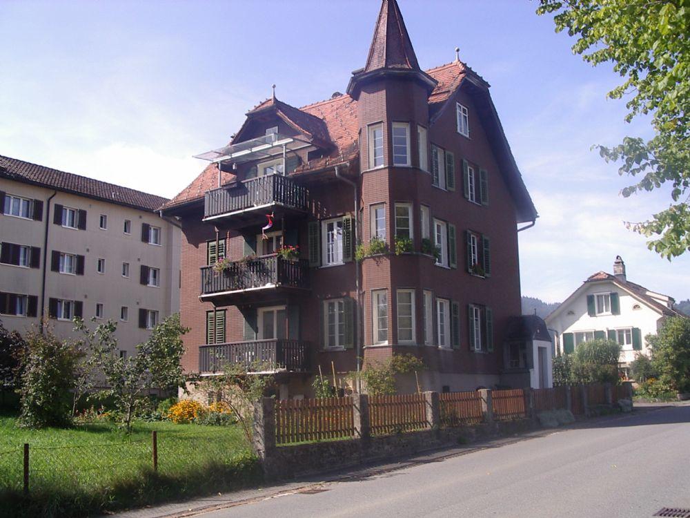 Mehrfamilienhäuser 8
